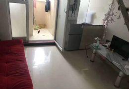 五龍三路東方紅小區38平米1室1廳1衛出租