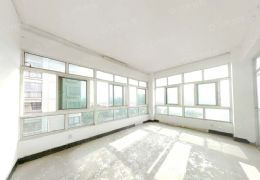 江景房814大道89号院180平米4室2厅2卫出售